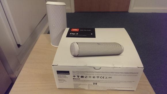 JBL Flip 2 box and speaker