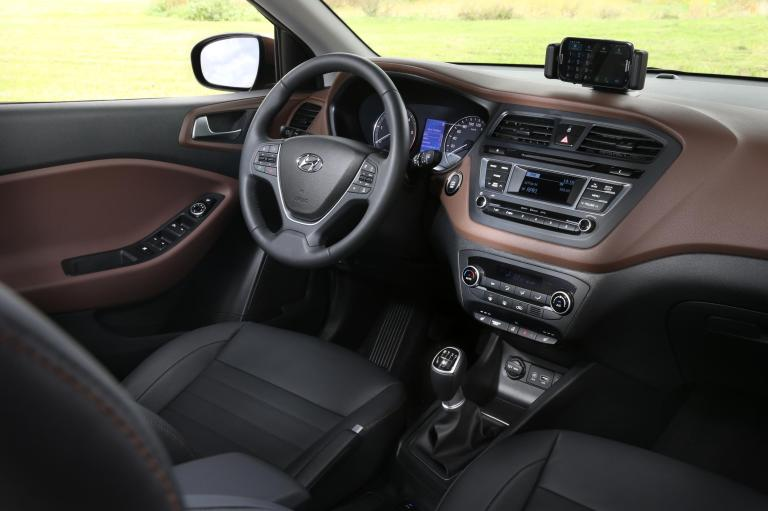 891523_New Generation i20_interior_15