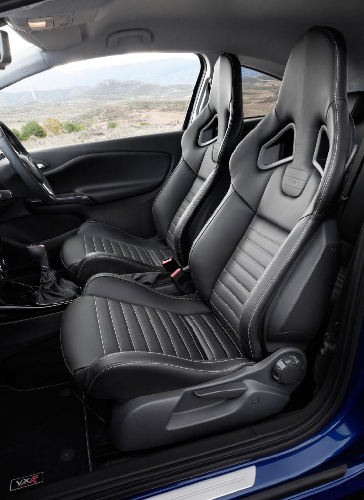 954340_Corsa VXR Interior