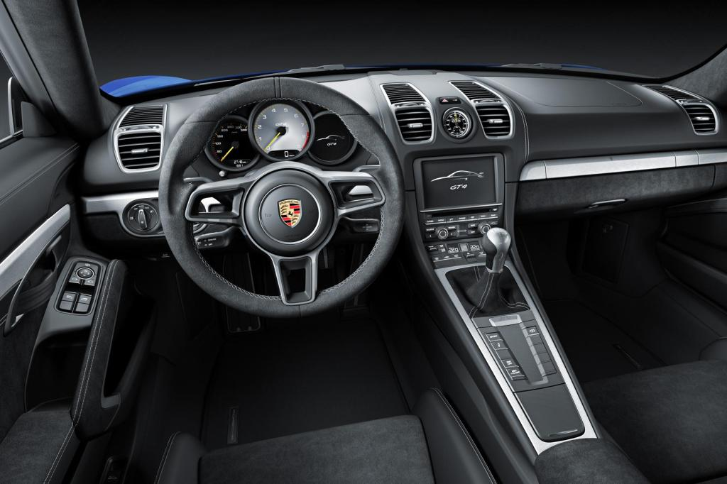 954461_Embargo_23_00_01_3_February_2015_Cayman_GT4_interior