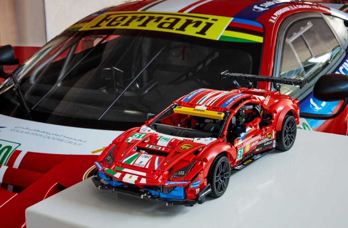 Ferrari 488 GTE AF Corse #51 byLego